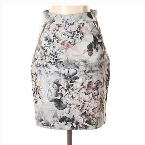 H&M Skirts - NWT H&M floral pencil skirt